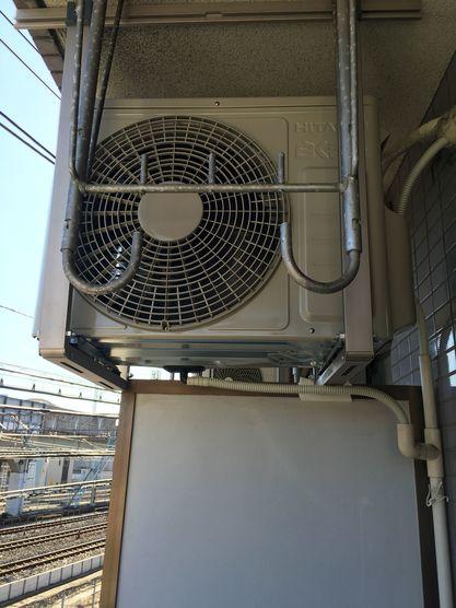 エアコン取付工事 外機天井吊りの画像
